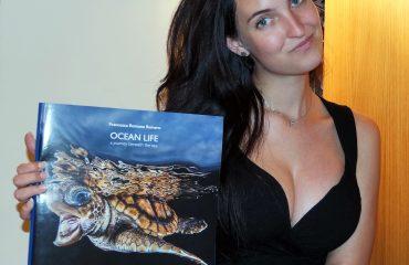 Francesca Reinero Libro Ocean Life Amica degli Squali